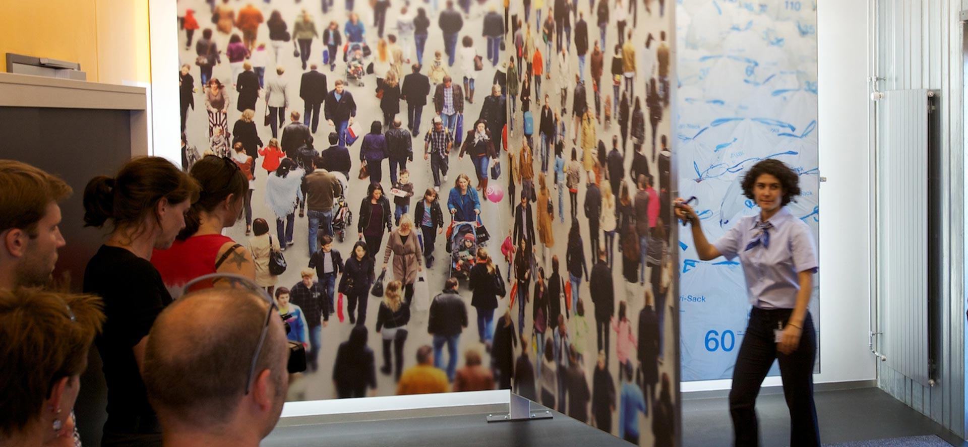 Wandbilder für Besucherführung von Grafilker Manuel Battagello